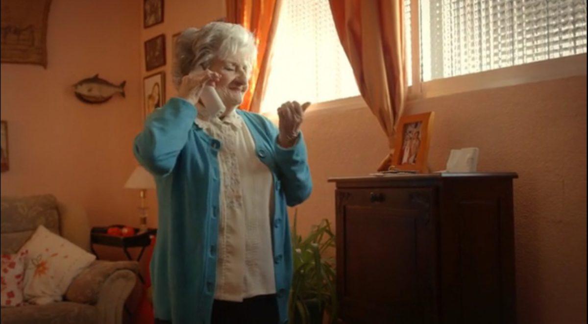 14-frame3_el-dia-que-mi-abuela-conocio-a-bruce-willis
